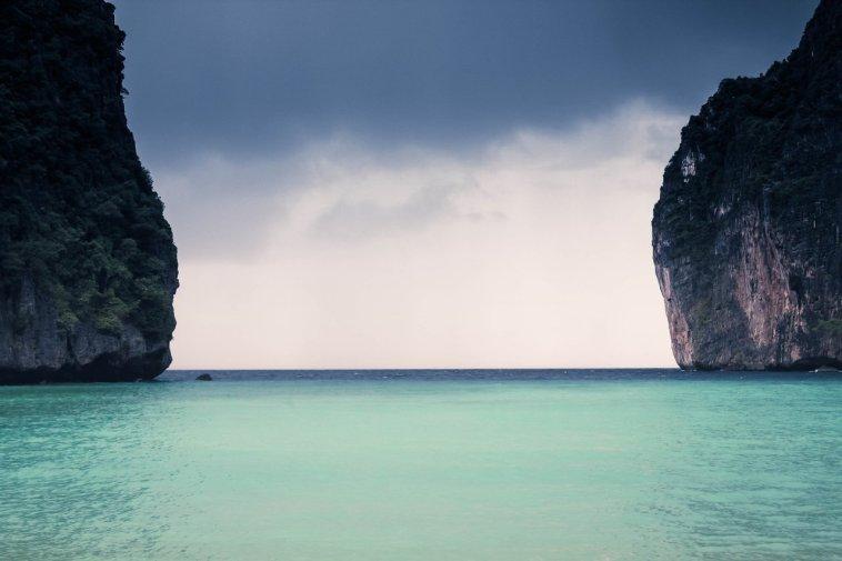 A calm ocean is not what bad web hosting feels like